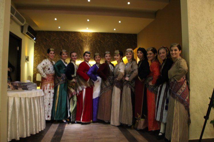 Με απόλυτη επιτυχία πραγματοποιήθηκε ο χορός της Ευξείνου Λέσχης Βέροιας