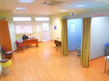 Νέοι, άνετοι, χώροι εμβολιασμού στο Νοσοκομείο Βέροιας. Παραλαμβάνονται ΜΕΘ και ΤΕΠ