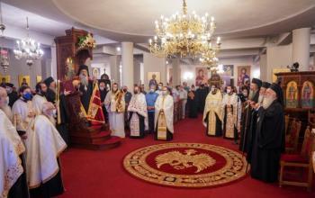 Πολυαρχιερατικός Εσπερινός της εορτής της οσιακής κοιμήσεως του Αγίου Λουκά του Ιατρού στην Ι.Μ. Παναγίας Δοβρά