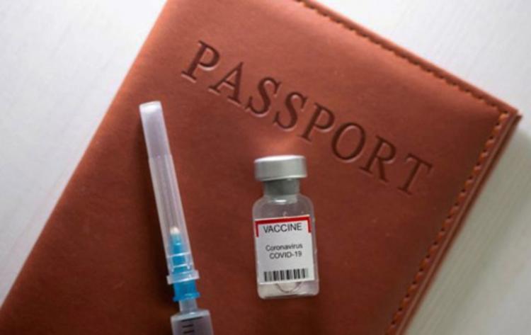Πιστοποιητικό εμβολιασμού: Υποχρεωτική η επίδειξή του από τους εργαζόμενους σε δημόσιο και ιδιωτικό τομέα