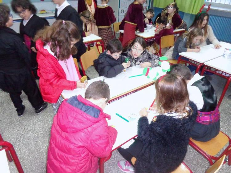 Χριστουγεννιάτικη γιορτή στο 9ο δημοτικό σχολείο Βέροιας