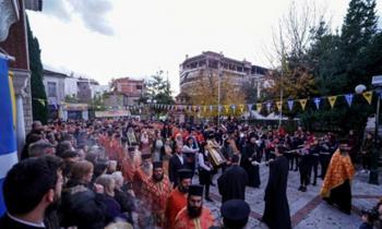 Πλήθος πιστών στη θαυματουργή εικόνα της Παναγίας Σουμελά