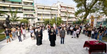Ξεκινούν τα μαθήματα του Κοινωνικού Φροντιστηρίου της Ιεράς Μητροπόλεως. Αγιασμός από το Σεβασμιώτατο