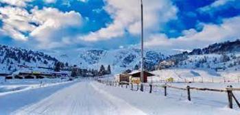 Χιόνια στο...καμπαναριό!