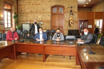 Υπογραφή σύμβασης «ΣΥΝΤΗΡΗΣΗ ΚΑΙ ΤΟΠΟΘΕΤΗΣΗ ΣΤΗΘΑΙΩΝ ΑΣΦΑΛΕΙΑΣ ΟΔΩΝ ΠΟΛΗΣ ΚΑΙ Δ.Ε»