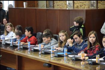 Σε ρόλο δημοτικών συμβούλων χθες οι μαθητές Δημοτικών Σχολείων της Βέροιας