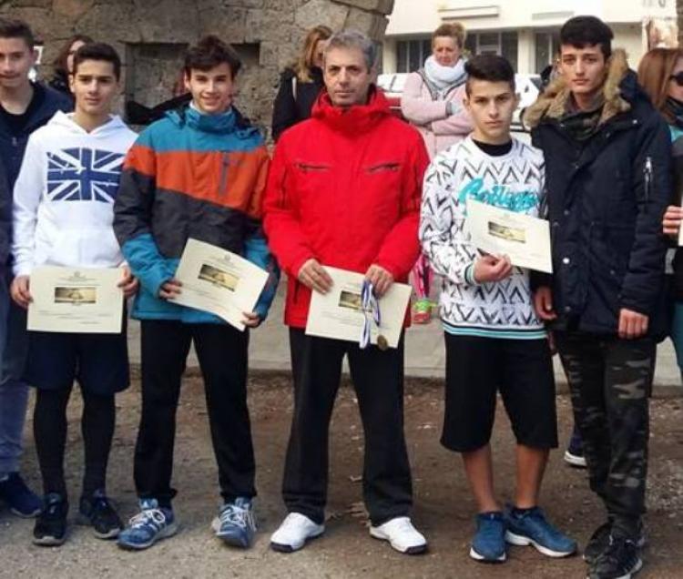 Σε αγώνες Αθλοπαιδιάς δρόμου σε ανώμαλο έδαφος συμμετείχε το 3ο Γυμνάσιο Νάουσας