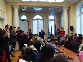 Το ΓΕΛ Μακροχωρίου και το Μουσικό σχολείο της Βέροιας στην ελληνική πρεσβεία του Βελιγραδίου