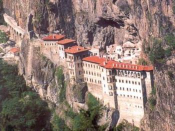 Αντίστροφη μέτρηση για να ξαναανοίξει η ιστορική Μονή της Παναγίας Σουμελά στην Τραπεζούντα