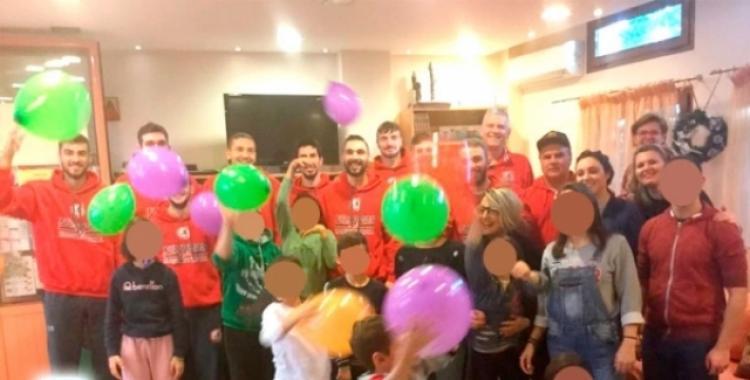 Μοίρασε δώρα στην «Πρωτοβουλία για το παιδί» το τμήμα μπάσκετ του ΑΠΣ Φίλιππος Βέροιας