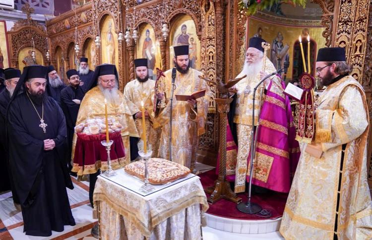 Αλλαγή του χρόνου, εορτασμός Αγ.Βασιλείου και δοξολογία για το νέο έτος στον κατάμεστο I.N. Aγ.Αντωνίου Βεροίας