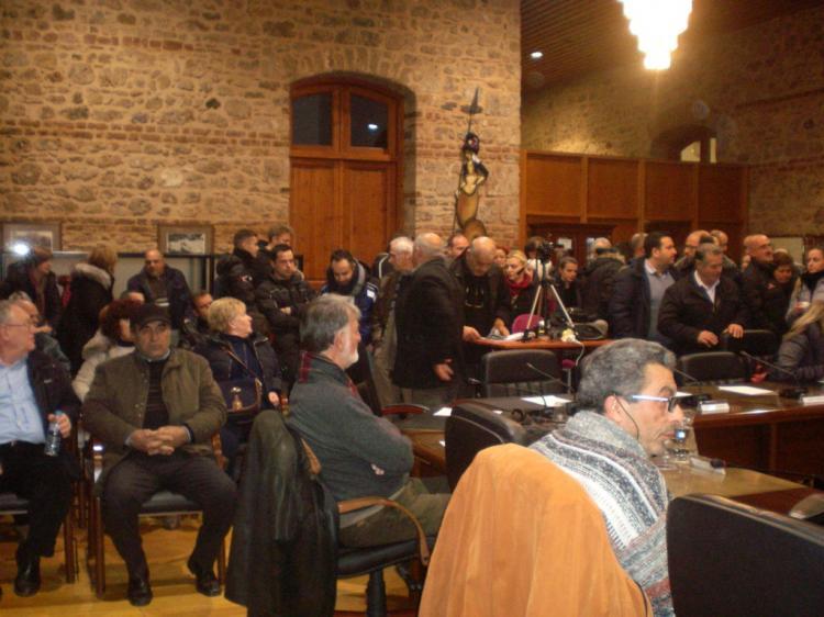 Αναβλήθηκε η συζήτηση για τους ΡΟΜΑ στο ΔΣ Βέροιας, έντονες διαμαρτυρίες κατοίκων της περιοχής