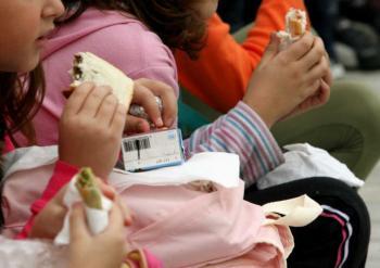 Oι Εκπαιδευτικοί της Ριζοσπαστικής Αριστεράς, χαιρετίζουμε την απόφαση για τη σίτιση των μαθητών στα δημοτικά σχολεία