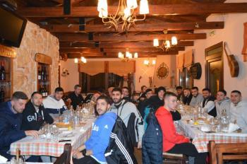 Δείπνο στην ομάδα του ΦΑΣ Νάουσα παρέθεσε την Τετάρτη ο φίλαθλος Γιάννης Δούμος