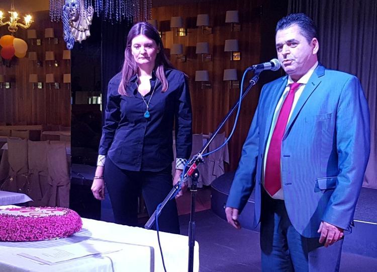 Έκοψαν τη βασιλόπιτά τους οι υπάλληλοι της Π.Ε. Ημαθίας παρουσία των Απ. Τζιτζικώστα και Κ.Καλαϊτζίδη
