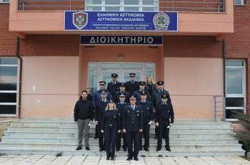 Πραγματοποιήθηκε η τελετή απονομής πιστοποιητικών σπουδών σε συνολικά 13 αστυνομικούς στη Σχολή Αστυνομίας στο Πανόραμα