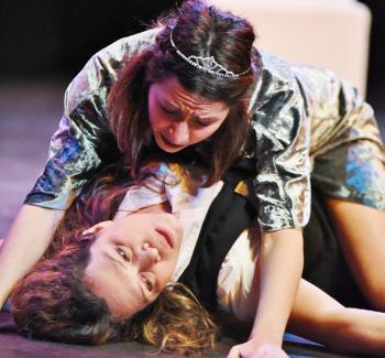 Το ΔΗ.ΠΕ.ΘΕ Βέροιας ταξιδεύει στο Κιλκίς με την Ομάδα «Πειραματική Σκηνή» και την παράσταση «Οι Δούλες» του Ζαν Ζενέ