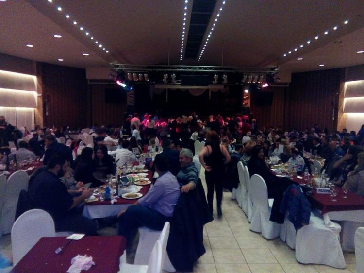 Πλήθος κόσμου στο χορό του Λαογραφικού Συλλόγου Ντόπιων Μακροχωρίου και Περιχώρων