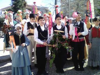 Τα κάλαντα της άνοιξης από τα παιδιά του Λυκείου Ελληνίδων Νάουσας!