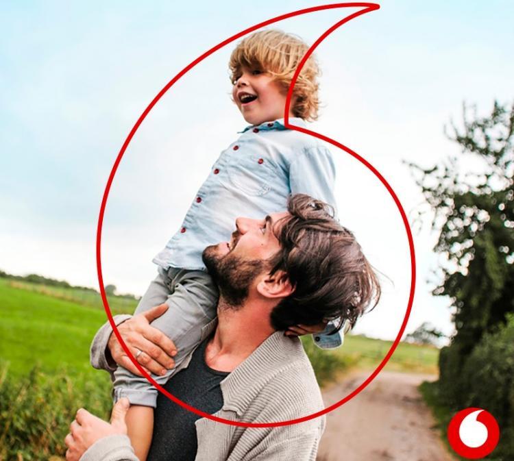 Η Vodafone ενισχύει την οικογένεια με μία νέα πολιτική στήριξης της πατρότητας