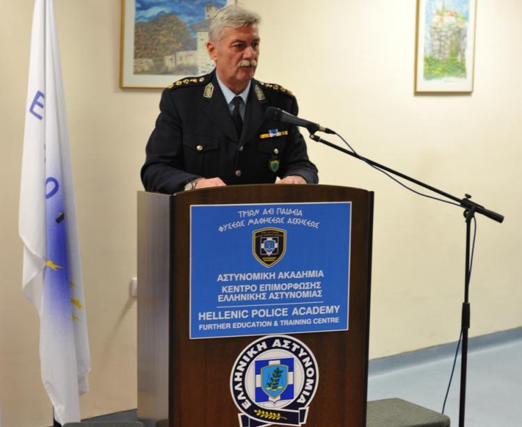 Tελετή απονομής πιστοποιητικών σπουδών σε συνολικά δέκα πέντε Αστυνομικούς στη Σχολή Αστυνομίας στο Πανόραμα Βέροιας