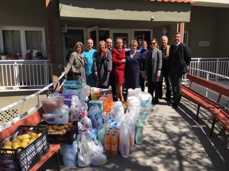 Επισκέψεις και Ιερές Ακολουθίες τη Μεγάλη Εβδομάδα στο Γηροκομείο της Βέροιας