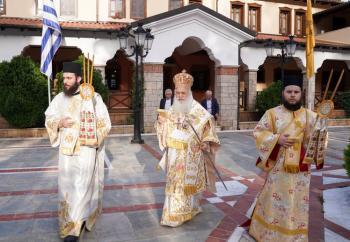 Πανηγυρικός εσπερινός στην πανηγυρίζουσα Ιερά Μονή Παναγίας Δοβρά στη Βέροια