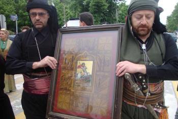 Συνεορτασμός των εικόνων Αγ. Γεωργίου Περιστερεώτα, Παναγίας Σουμελά και Αγ. Ιωάννη Βαζελώνα στο Ροδοχώρι Νάουσας