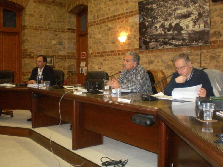 Νέους βρεφικούς σταθμούς και νέα κοιμητήρια προανήγγειλαν οι Στ. Διαμάντης και Β. Παπαδόπουλος στο Δ.Σ. Βέροιας