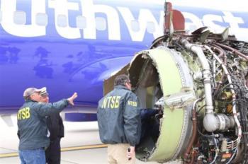 Γυναίκα νεκρή στις ΗΠΑ, τη «ρούφηξε» παράθυρο αεροσκάφους, αφού πρώτα έσπασε μετά από έκρηξη κινητήρα