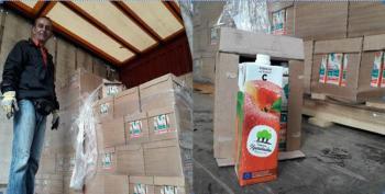 Διανομή δωρεάν χυμού ροδάκινου από το Κοινωνικό Παντοπωλείο Δήμου Βέροιας