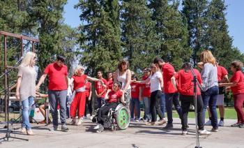 Αρχιερατική Θεία Λειτουργία με τη συμμετοχή Σχολείων Ειδικής Αγωγής και Συλλόγων ΑμεΑ στη Ραψωμανίκη στο πλαίσιο των ΚΔ΄Παυλείων