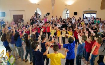 «Ο γύρος του κόσμου σε 7 νότες» : μουσική εκδήλωση του ωδείου της Ιεράς Μητροπόλεως