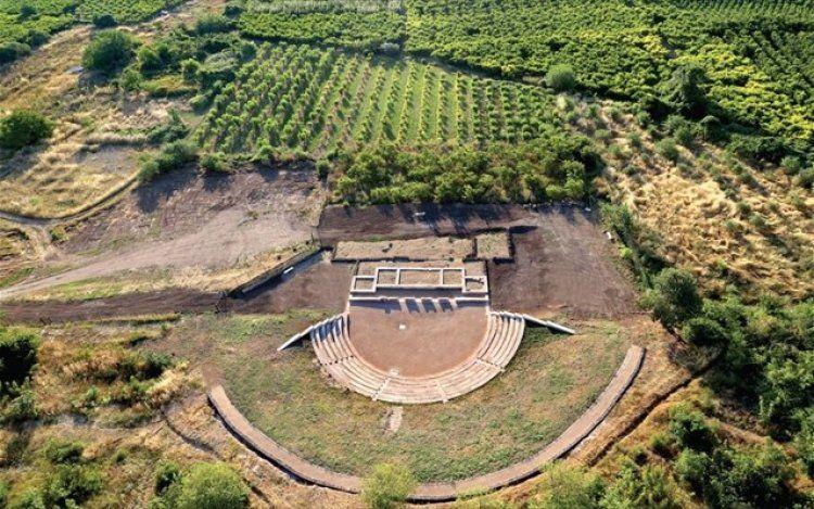 Ξαναζωντανεύει μετά από 2.200 χρόνια το αρχαίο θέατρο της Μίεζας!