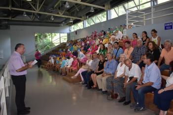 1η γιορτή κολύμβησης δημοτικών σχολείων στο Δημοτικό Κολυμβητήριο της Νάουσας