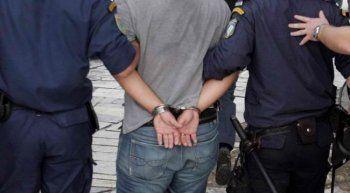 Σύλληψη 26χρονου στη Βέροια για κλοπή χρηματικού ποσού