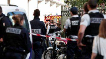 Όχημα χτύπησε στρατιώτες που βρισκόταν σε περιπολία στο Παρίσι