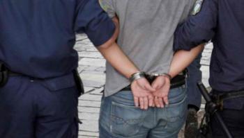 Σύλληψη 41χρονου στη Βέροια για κλοπή πορτοφολιού από σταθμευμένο όχημα